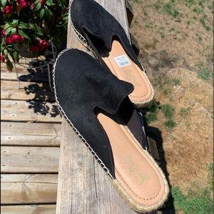 Black slip on espadrilles (sz 10)